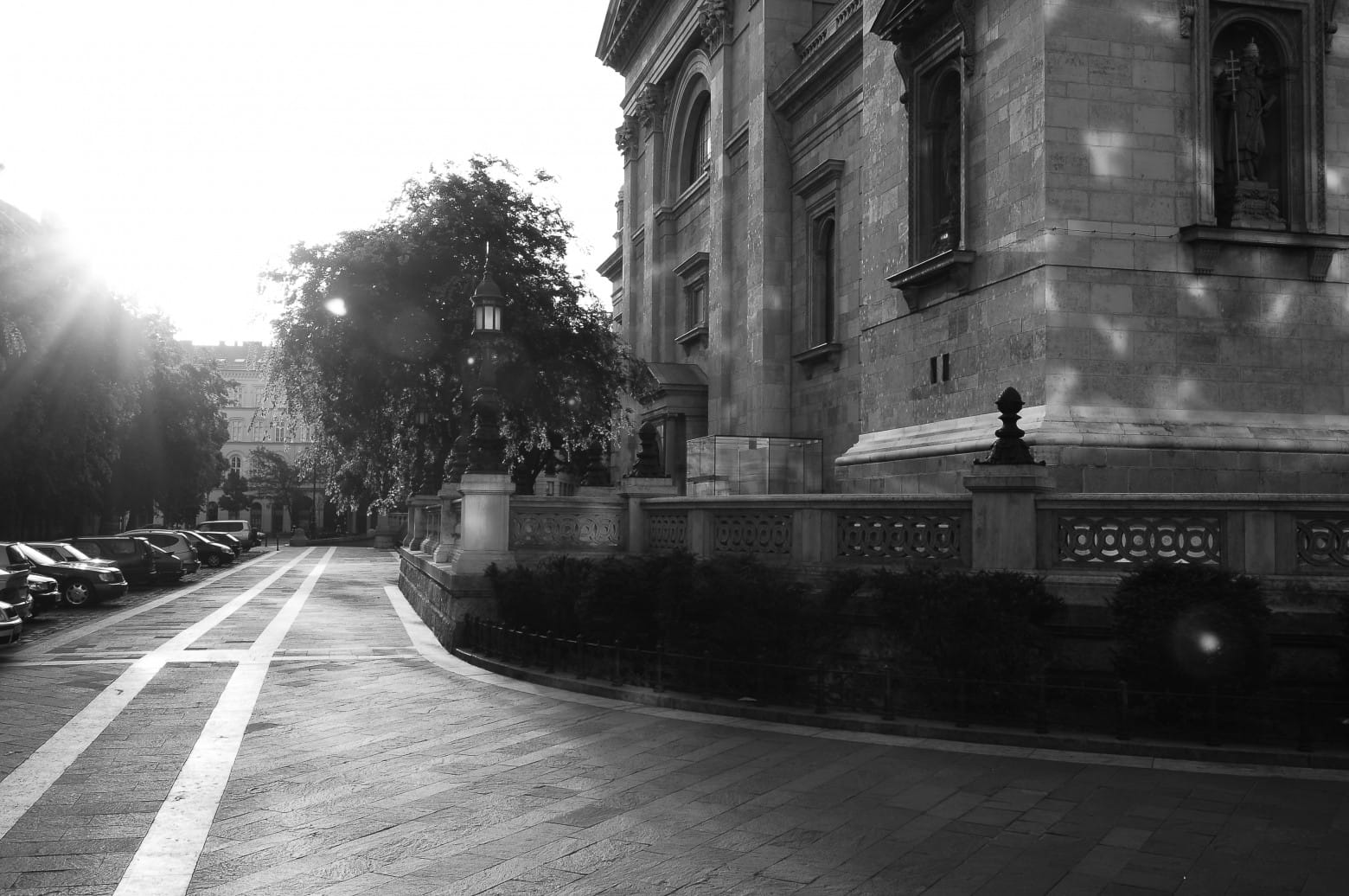 Bazilika_terasz_setany_felvono_foto_utca_hajnal